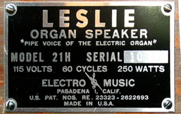 Leslie_21H_plate_(close_up).jpg